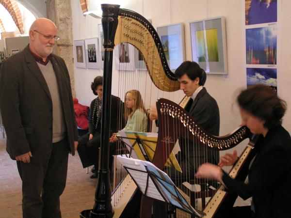 Der erste Auftritt der neuen Harfen - hier gab es noch keine Schüler